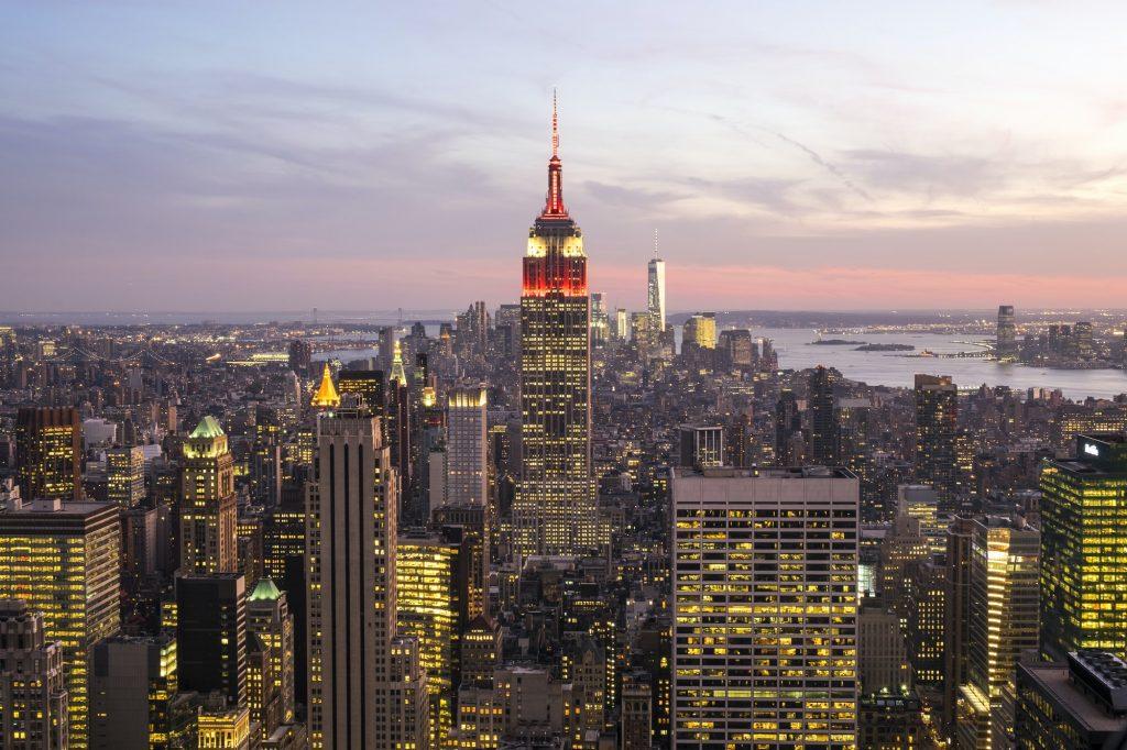 Cityscape of Manhattan, Empire State Building in the centre.